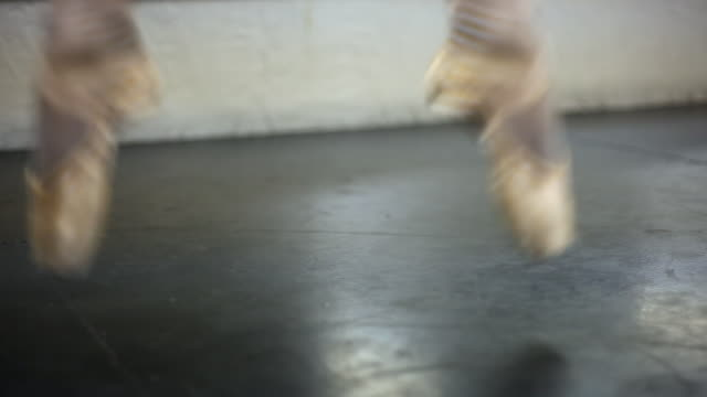 static shot of a ballerina's feet. - en pointe stock videos and b-roll footage