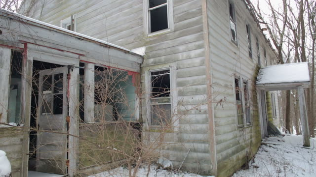static shot of abandoned house - ruined stock videos & royalty-free footage