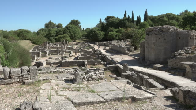 static shot of ancient roman city glanum in saint-rémy-de-provence - 6th century bc stock videos and b-roll footage