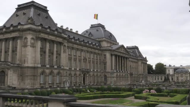 static shot of the royal palace of brussels in brussels belgium - music or celebrities or fashion or film industry or film premiere or youth culture or novelty item or vacations bildbanksvideor och videomaterial från bakom kulisserna