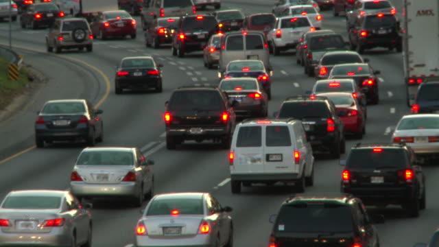 static shot of traffic during dusk in atlanta, georgia. - north america stock videos & royalty-free footage