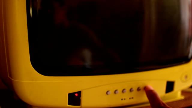 tv statico - antenna parte del corpo animale video stock e b–roll