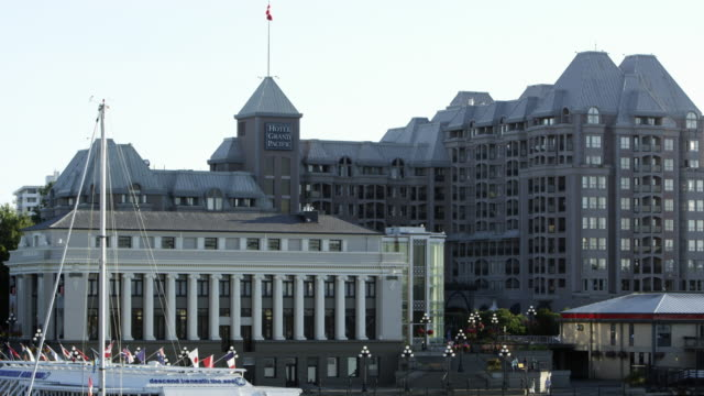 static view of the hotel grand pacific - カナダ ビクトリア市点の映像素材/bロール