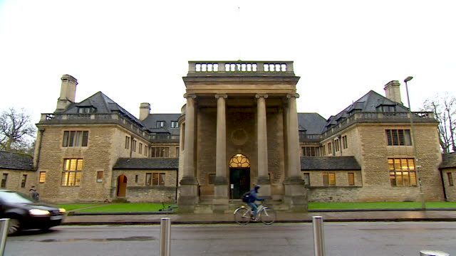static wide shot of the main entrance of rhodes house, oxford - 20 24 years stock videos & royalty-free footage