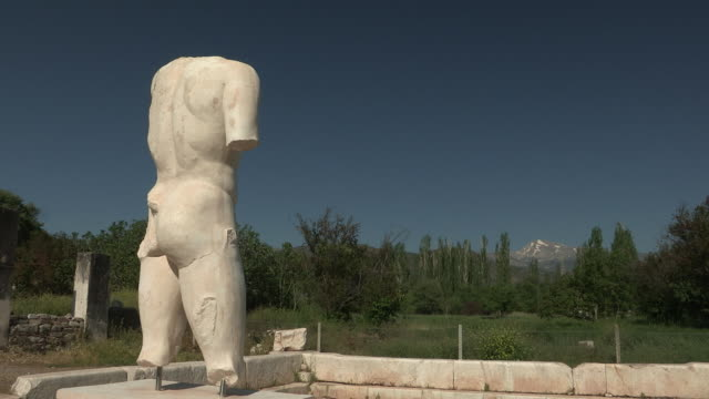 statue and ruins, aphrodisias, turkey - old ruin stock videos & royalty-free footage