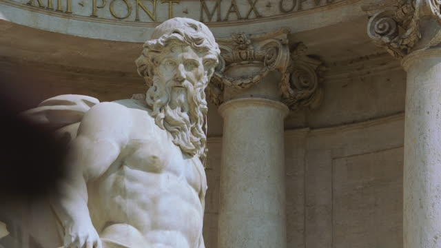 ms statue at trevi fountain / rome, italy - statue stock-videos und b-roll-filmmaterial