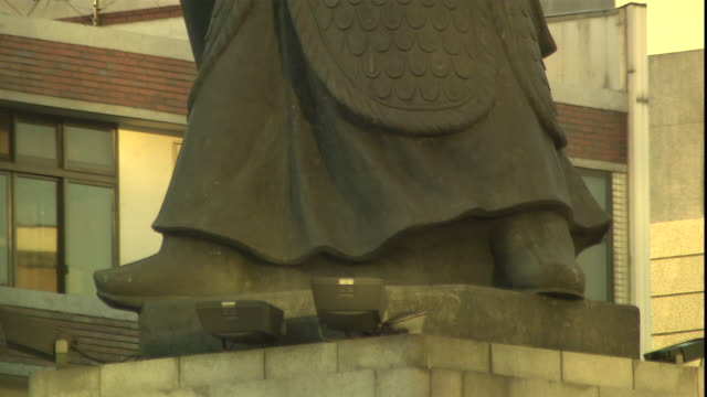 a statue depicts a samurai warrior. - samurai stock videos & royalty-free footage