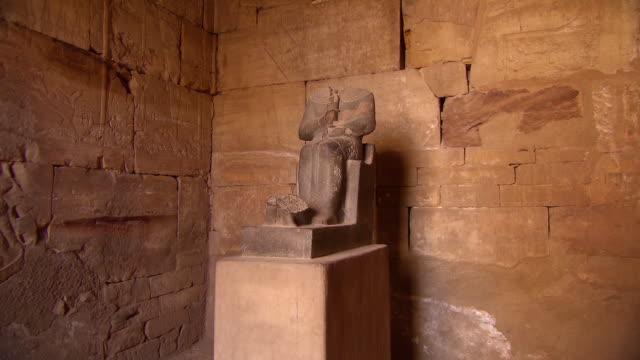 MS ZO Statue in Karnak Temple / Egypt