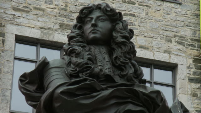 cu statue louis xiv place royale - male likeness stock videos & royalty-free footage