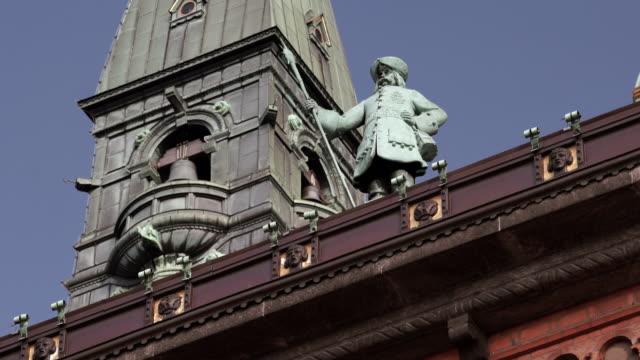 statue near city hall in copenhagen - male likeness stock videos & royalty-free footage