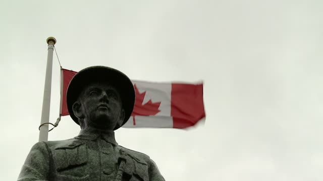 statue of a soldier in a memorial of world war ii - world war ii stock videos & royalty-free footage