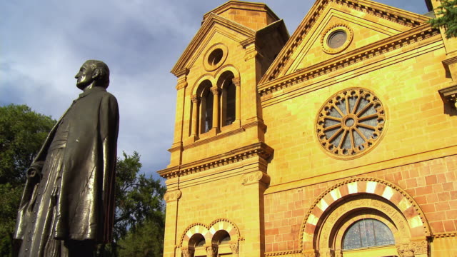 MS, LA, PAN, Statue of Archbishop Jean Baptiste Lamy in front of St Francis cathedral Santa Fe, New Mexico, USA