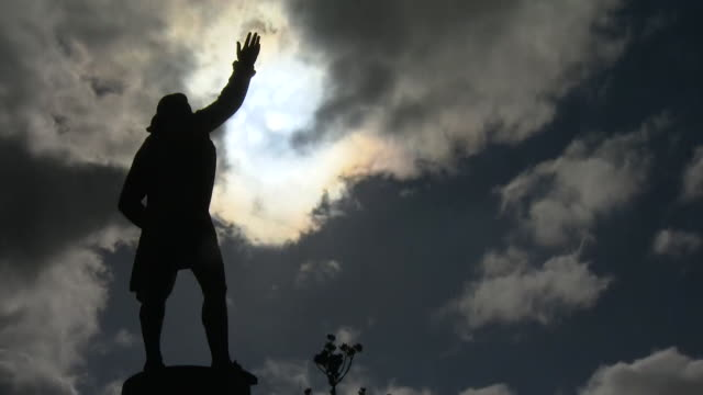 """statue of british explorer captain james cook, in sydney, australia, a reference to the countries colonial past - """"bbc news"""" stock videos & royalty-free footage"""