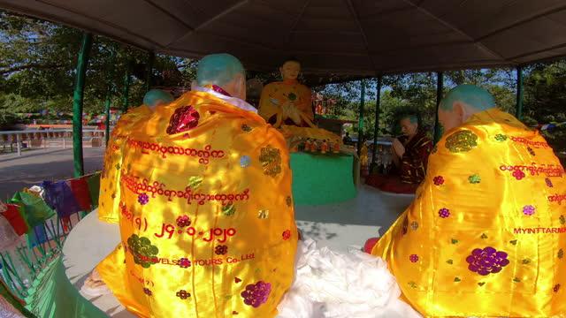 statue of buddha and his disciples - 使徒点の映像素材/bロール