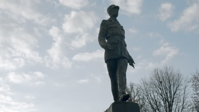 statue of charles de gaulle - statue stock videos & royalty-free footage