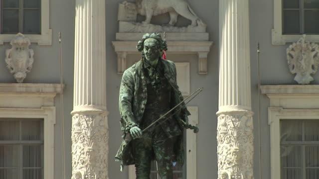 MS ZO WS Statue of composer Giuseppe Tartini in Tartinijev Trg Square / Piran, Slovenia