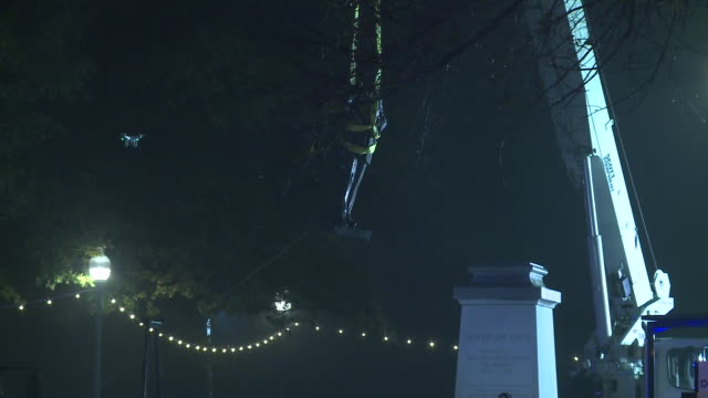 WREG Statue of Confederate Leader Jefferson Davis in Memphis Park removed on Dec 21 2017