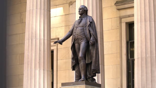 statue von george washington - george washington stock-videos und b-roll-filmmaterial