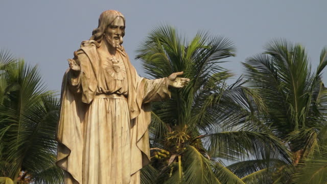 A statue of Jesus in India