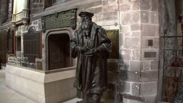 zi statue of john knox inside st. giles' cathedral / edinburgh, scotland, united kingdom - protestantism stock videos & royalty-free footage