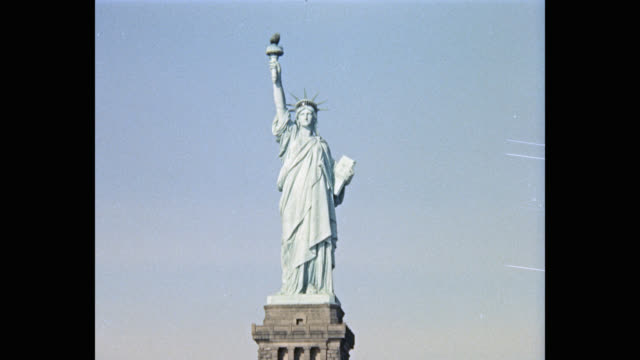 1965 - statue of liberty at liberty island in new york harbor, new york city, new york state, usa - female likeness stock videos & royalty-free footage