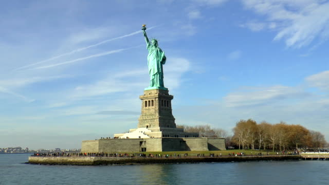 statue of liberty - new york city, new york - statue of liberty new york city stock videos & royalty-free footage
