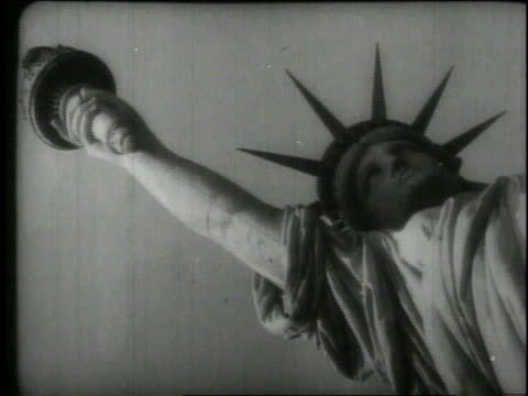 vidéos et rushes de 1940 ms statue of liberty / new york, new york, united states - statue de la liberté