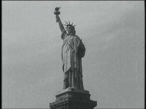 b/w 1940 statue of liberty / nyc - statue of liberty new york city stock videos & royalty-free footage