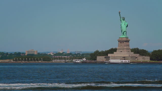 statue of liberty right - rusty stock videos & royalty-free footage