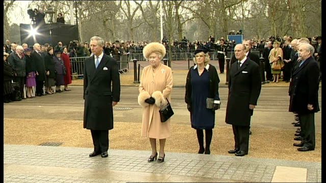 Statue of Queen Mother unveiled on the Mall ENGLAND London The Mall EXT Queen Elizabeth II Prince Charles Prince of Wales Prince Philip Duke of...