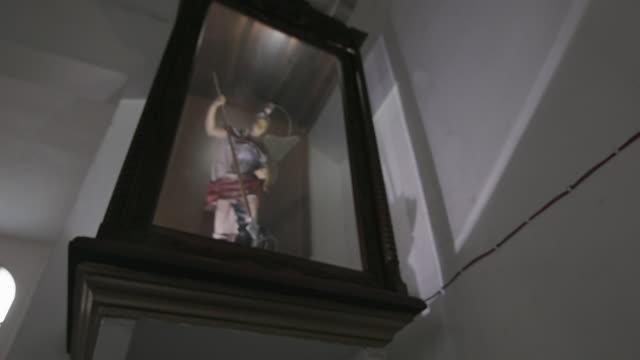 statue of saint michael in church, mexico - 天使ミカエル点の映像素材/bロール
