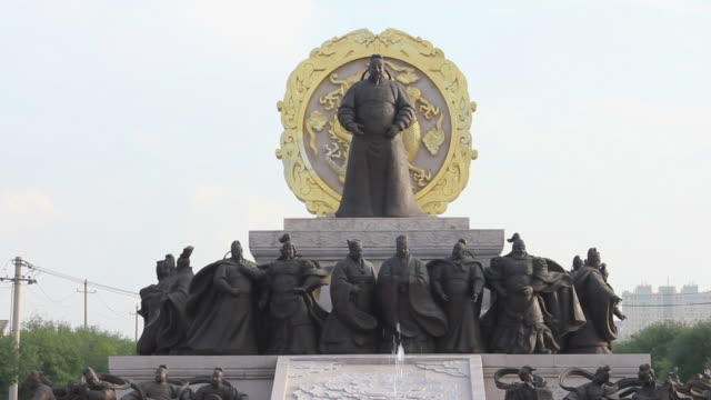 ls statue of tang taizong(emperor of tang dynasty) on fountain square/xian,shaanxi,china - emperor stock videos and b-roll footage