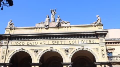 statue of the facade arena del sole theater - fronton bildbanksvideor och videomaterial från bakom kulisserna