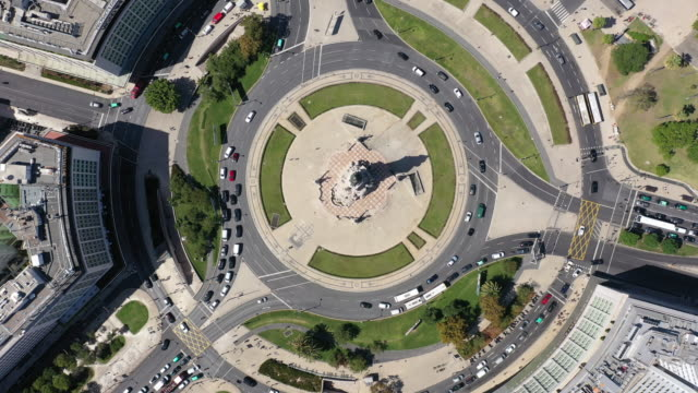 statue of the marques de pombal from above - roundabout stock videos & royalty-free footage