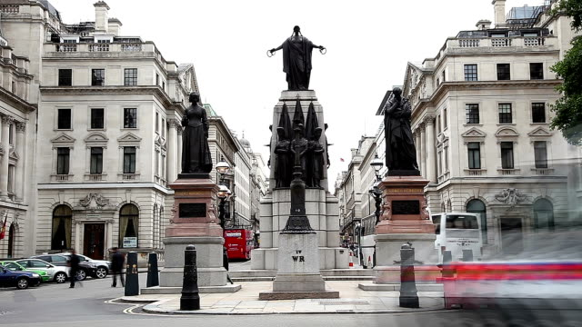 Statues at Waterloo Place