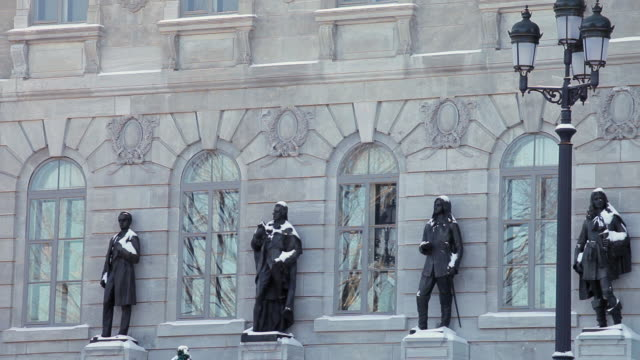statues of characters that made ??the history of quebec on ??the front of the national assembly - male likeness stock videos & royalty-free footage