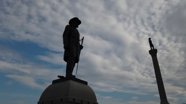 stockvideo's en b-roll-footage met statues of lieutenant stephen f. brown of the 13th vermont infantry and brigadier general george stannard, commander of the second vermont brigade,... - gettysburg