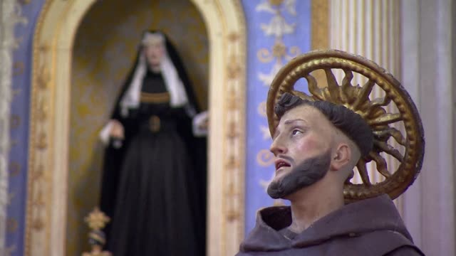 statues of saints in micheal angelo church in scicli - nun stock videos & royalty-free footage
