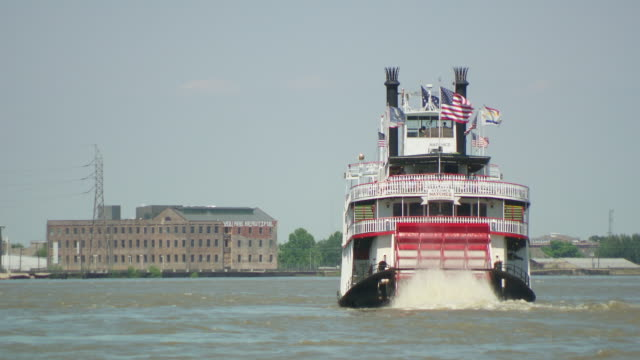 ms steam boat crusises on mississippi river / new orleans, louisiana, united states - river mississippi stock videos & royalty-free footage