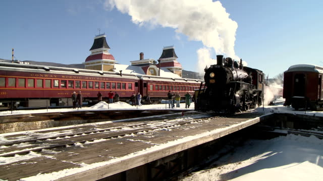 ws steam engine 7470 at victorian station, winter, north conway, new hampshire, usa - 1921 stock videos & royalty-free footage