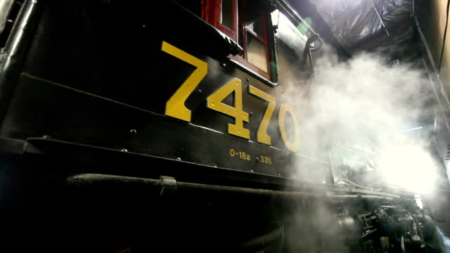 cu tu td steam engine 7470 in roundhouse, north conway, new hampshire, usa - 1921 stock videos & royalty-free footage