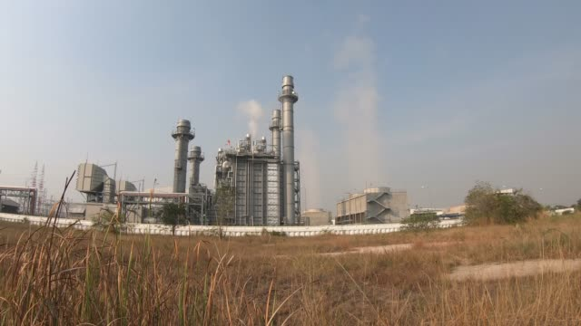 dampf aus gasturbinenkraftwerk - entstehung stock-videos und b-roll-filmmaterial