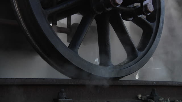 stockvideo's en b-roll-footage met steam locomotive - stoomtrein