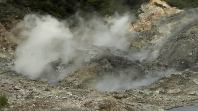 cu steam rising from volcano / saint lucia - kelly mason videos stock videos & royalty-free footage