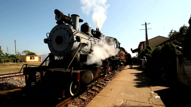 steam train on historic santa clara railway line - locomotiva video stock e b–roll