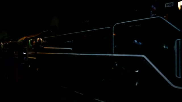treno a vapore. - locomotiva video stock e b–roll