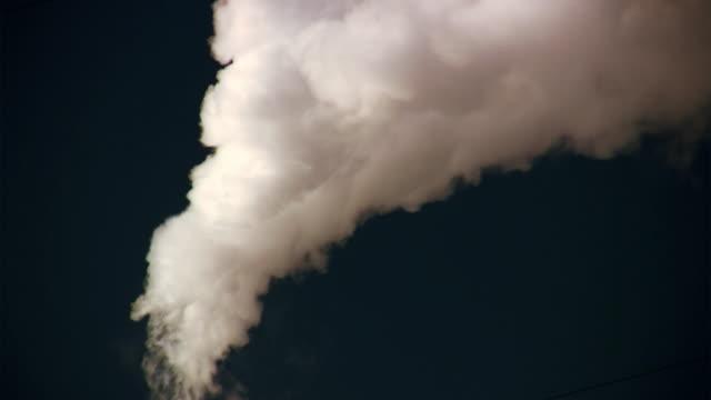 stockvideo's en b-roll-footage met steam - schoorsteen