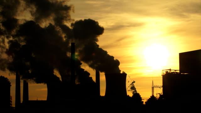 Dampf Kohle Kraftwerk in die Helligkeit