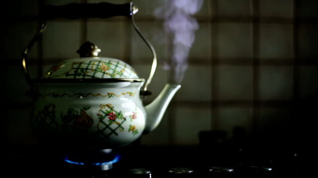 hd: steaming teapot - boiling stock videos & royalty-free footage