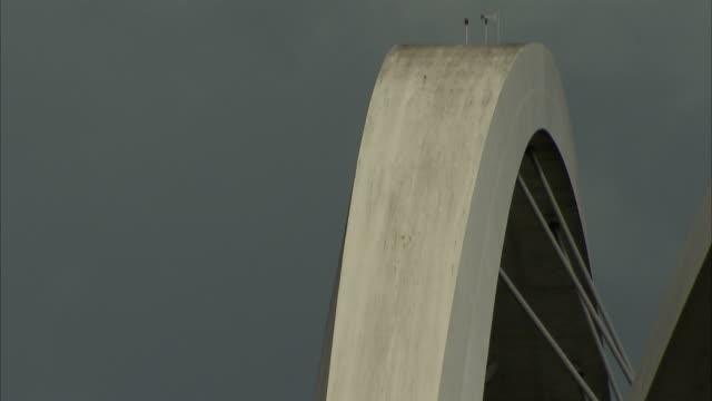 steel cables support the juscelino kubitschek bridge in brasília, brazil. available in hd. - juscelino kubitschek bridge stock videos & royalty-free footage
